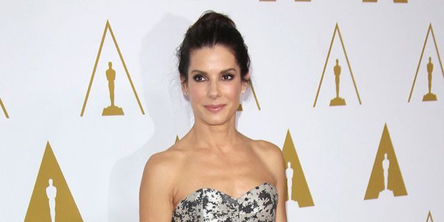 Sandra Bullock Gives Graduation Speech: 'Don't Pick Your Nose in Public'