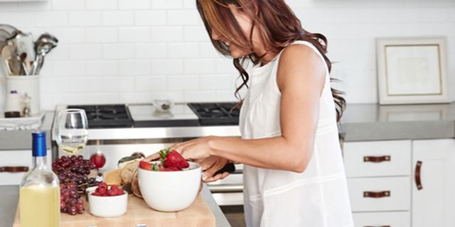 ELLE Simplifies: Your Eating Habits