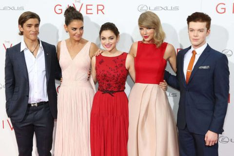 The Giver Premiere Red Carpet Style Taylor Swift Odeya Rush Katie Holmes Fashion