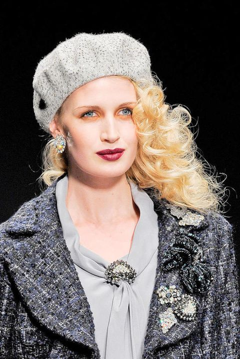 ELENA MIRO FALL 2011 RTW BEAUTY 003