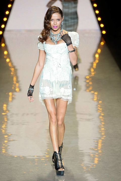 BETSEY JOHNSON SPRING 2012 RTW PODIUM 002
