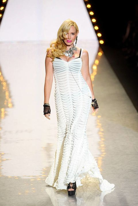 BETSEY JOHNSON SPRING 2012 RTW PODIUM 001