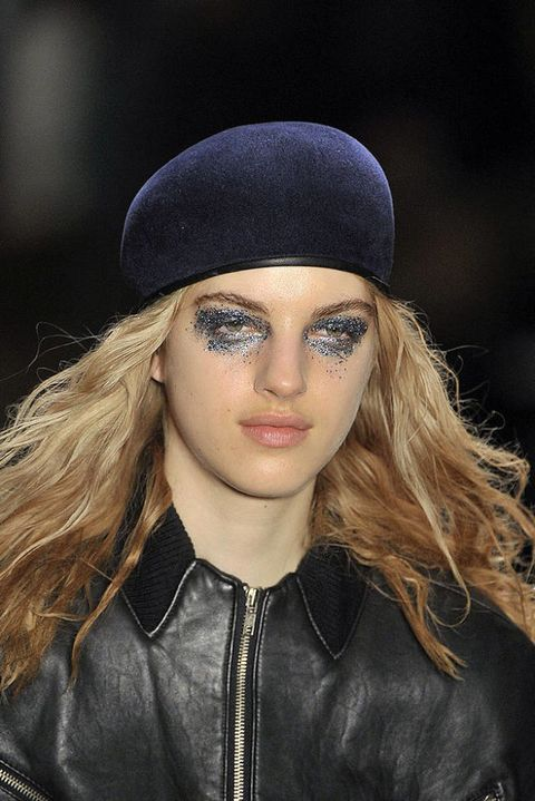 VENA CAVA FALL 2011 RTW BEAUTY 002