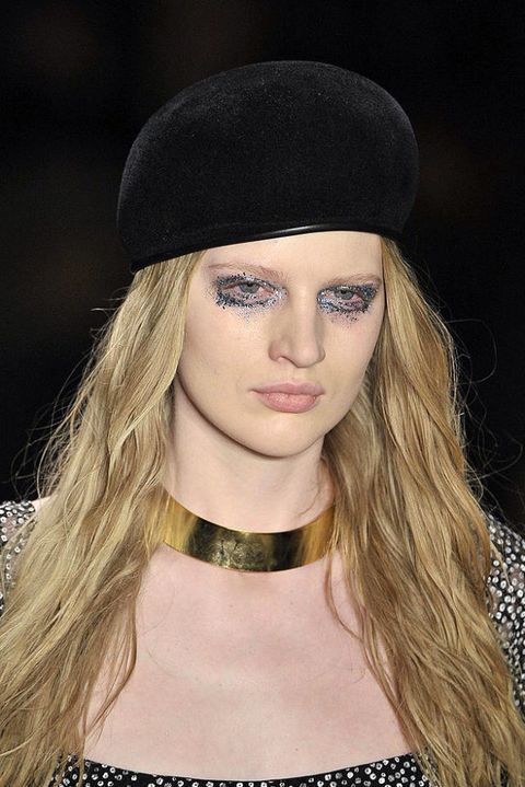 VENA CAVA FALL 2011 RTW BEAUTY 001