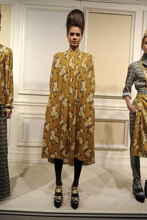 SUNO FALL 2011 RTW PODIUM 002