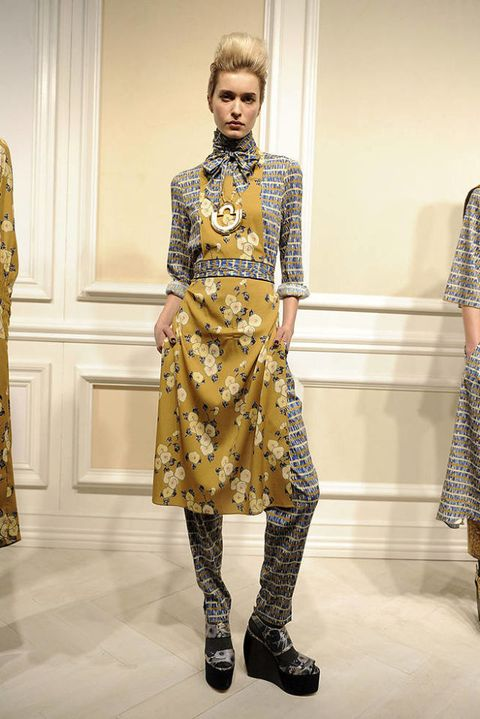 SUNO FALL 2011 RTW PODIUM 003