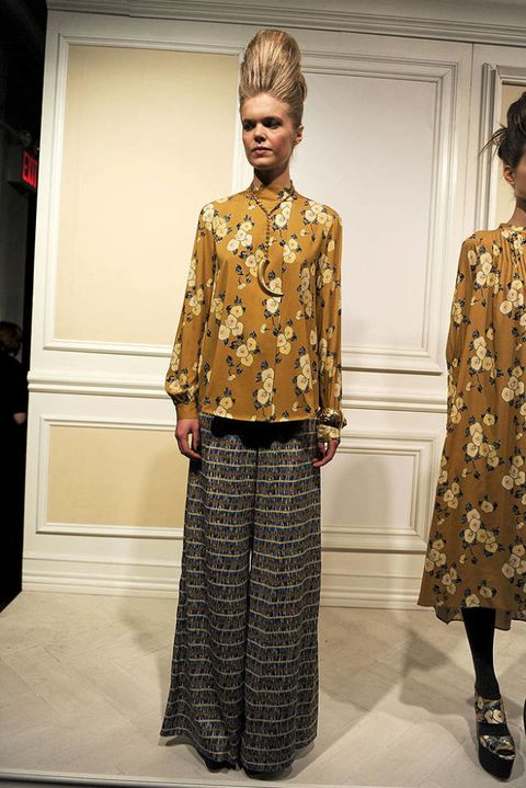 SUNO FALL 2011 RTW PODIUM 001