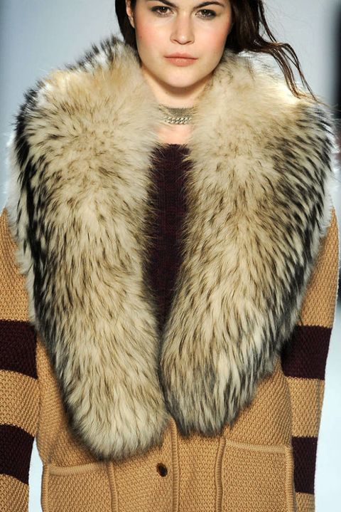 TIMO WEILAND FALL 2012 RTW DETAIL 001