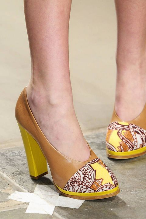 KAREN WALKER FALL 2012 RTW DETAILS 003
