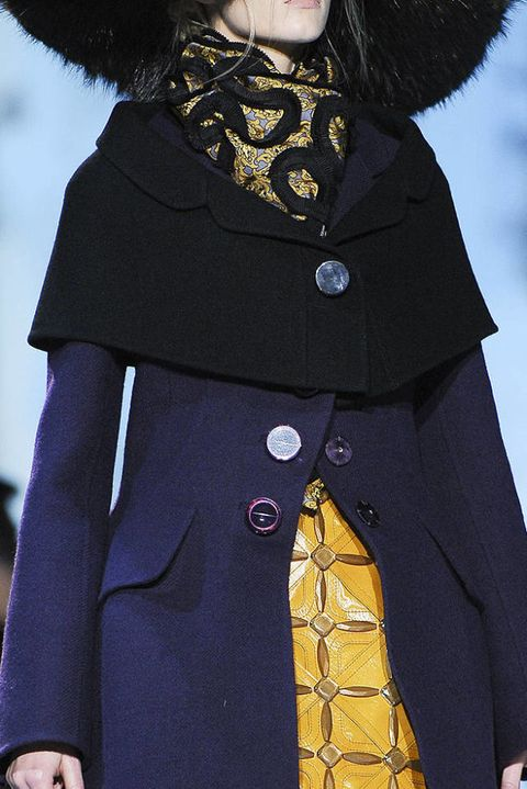 MARC JACOBS FALL 2012 RTW DETAILS 001