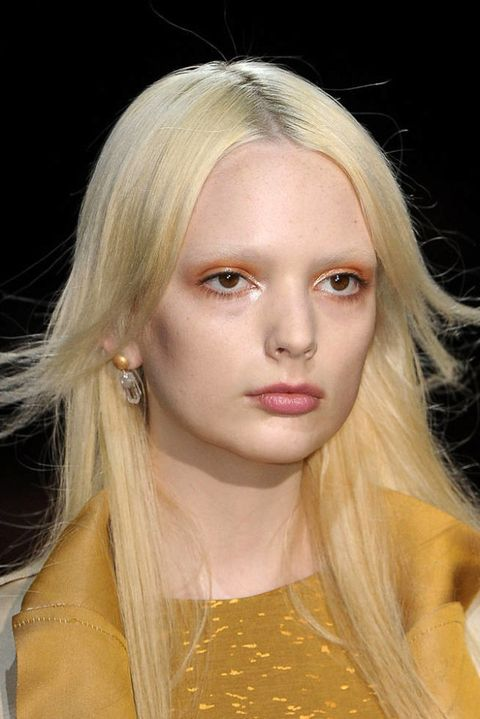THEYSKENS THEORY FALL 2012 RTW BEAUTY 001