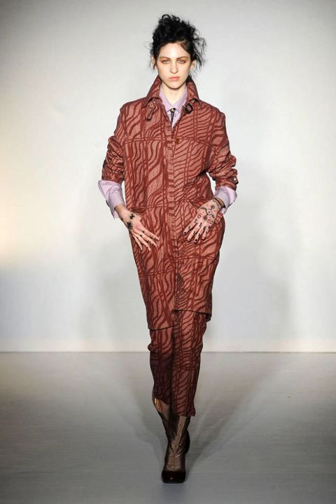 VIVIENNE WESTWOOD RED LABEL FALL 2012 RTW PODIUM 002
