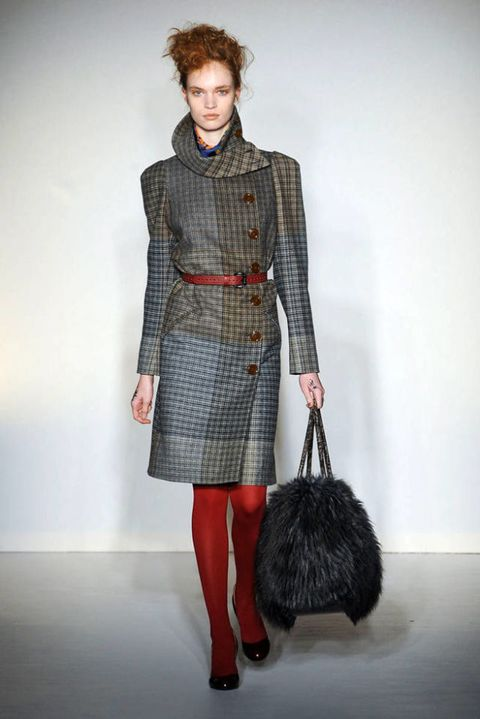 VIVIENNE WESTWOOD RED LABEL FALL 2012 RTW PODIUM 003
