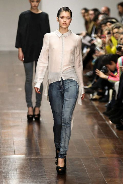 JENA THEO FALL 2012 RTW PODIUM 003
