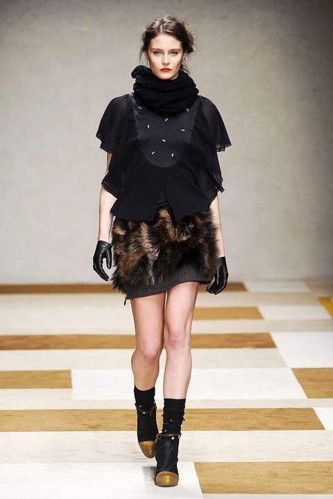 KRISTINA TI FALL 2012 RTW PODIUM 001