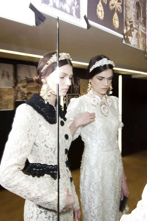DOLCE GABBANA FALL 2012 RTW BACKSTAGE 003