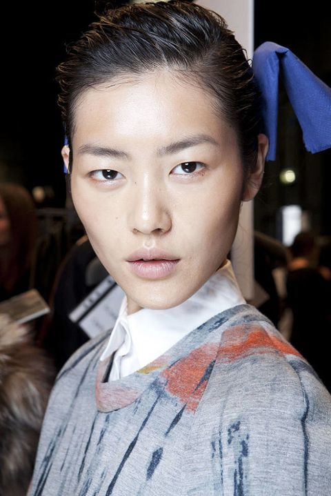 Trussardi FALL 2012 RTW beauty 001