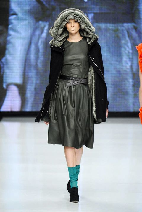 MOI MULTIPLE FALL 2012 RTW PODIUM 003
