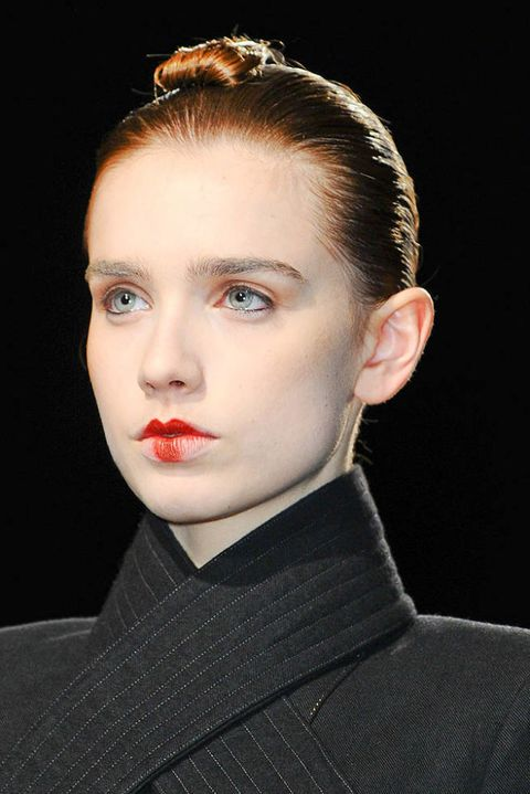 NICOLAS ANDREAS TARALIS FALL 2012 RTW BEAUTY 003