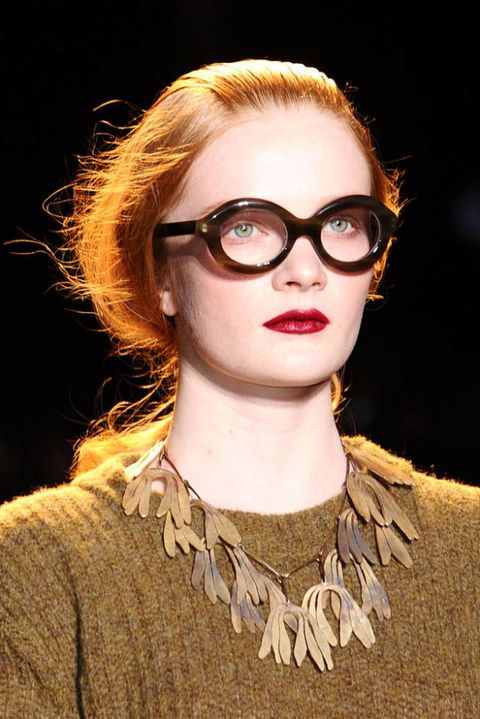 ROCHAS FALL 2012 RTW BEAUTY 003