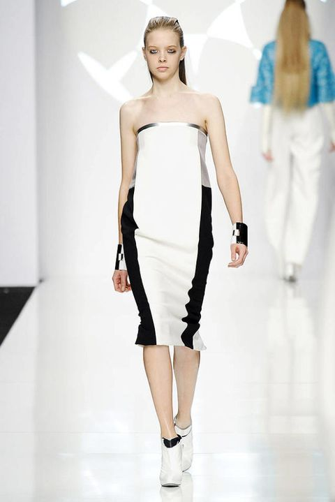 BYBLOS FALL 2012 RTW PODIUM 003