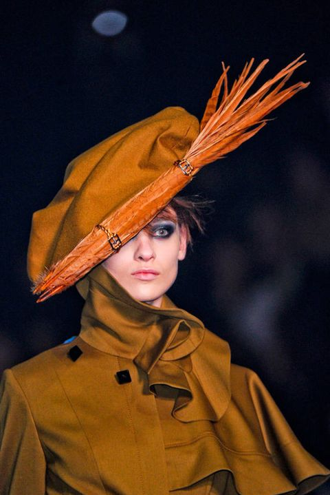 JOHN GALLIANO FALL 2012 RTW BEAUTY 002