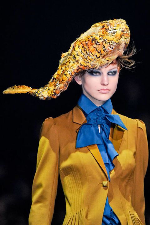 JOHN GALLIANO FALL 2012 RTW BEAUTY 003