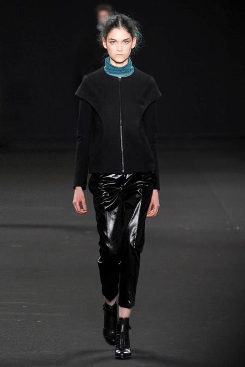 VANESSA BRUNO FALL 2012 RTW PODIUM 003