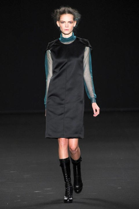 VANESSA BRUNO FALL 2012 RTW PODIUM 001
