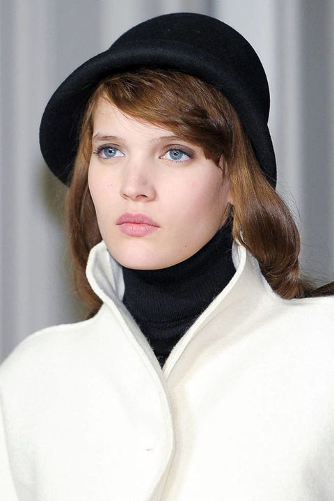 AGNES B FALL 2012 RTW BEAUTY 001