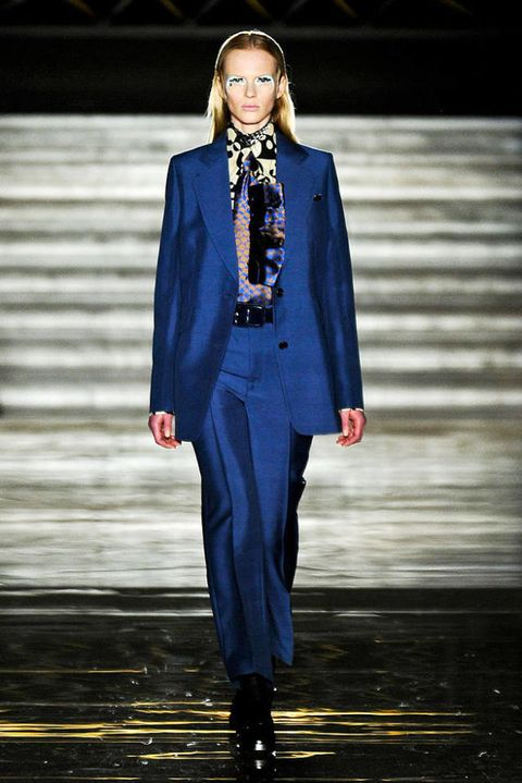 MIU FALL 2012 RTW PODIUM 001