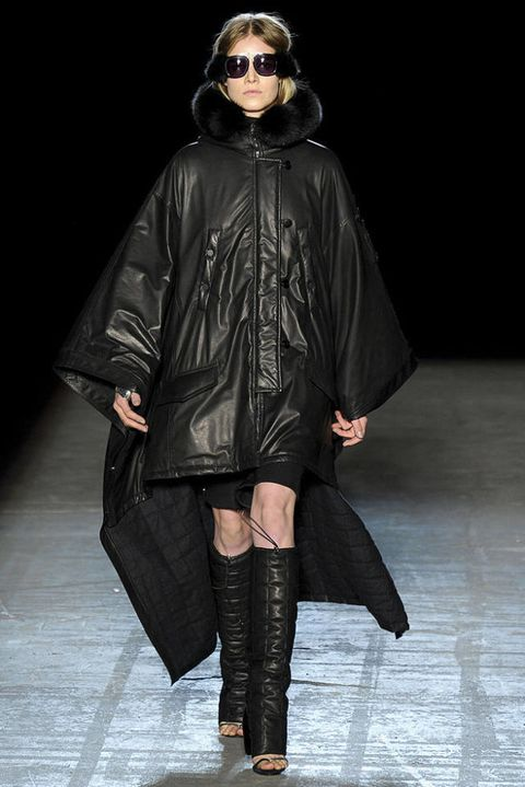ALEXANDER WANG FALL 2011 RTW PODIUM 002