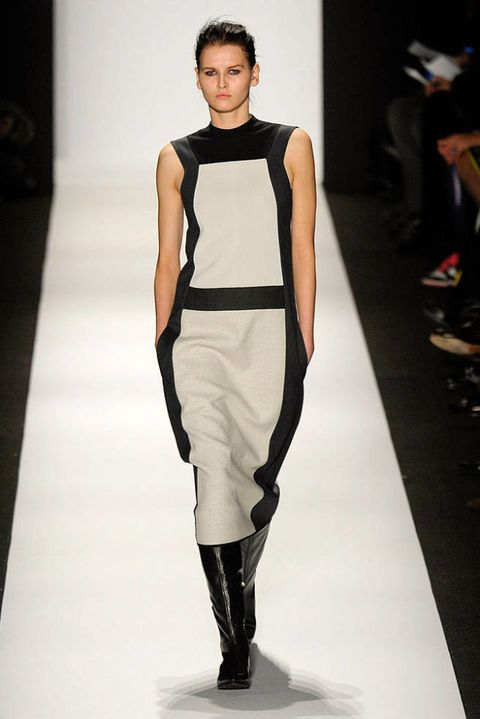 NARCISO RODRIGUEZ FALL 2011 RTW PODIUM 002