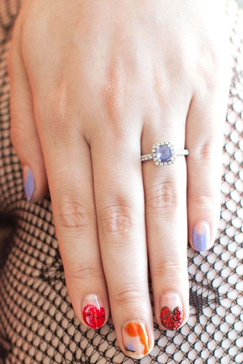 Finger, Skin, Jewellery, Nail, Engagement ring, Nail care, Pre-engagement ring, Nail polish, Ring, Wedding ring,