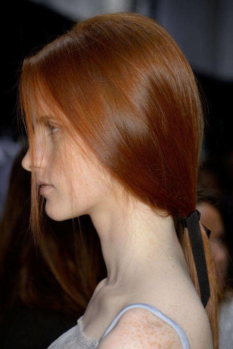 Nina Ricci – Simple, Low Ponytail