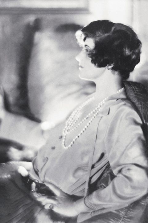 coco chanel with short hair 1920
