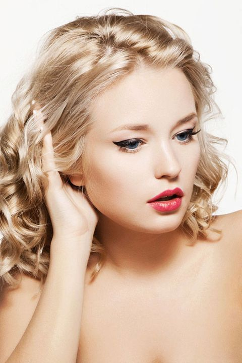Lip, Hairstyle, Skin, Chin, Forehead, Eyelash, Eyebrow, Style, Jaw, Beauty,
