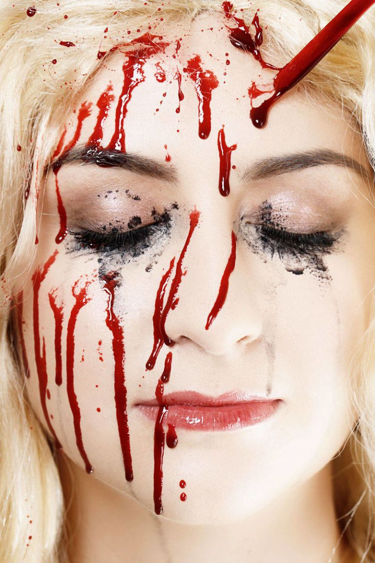 13 steps to getting carrie fied for halloween halloween carrie makeover - Blood For Halloween