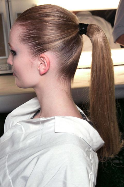 Hair, Ear, Hairstyle, Style, Eyelash, Long hair, Beauty, Beauty salon, Brown hair, Personal grooming,