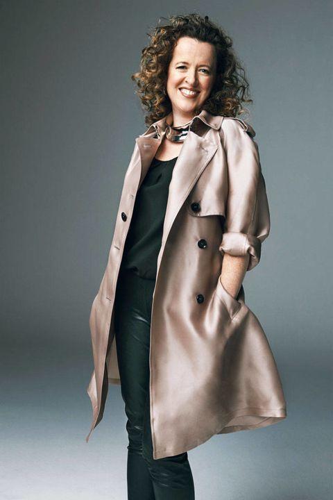 Collar, Sleeve, Coat, Standing, Joint, Outerwear, Style, Formal wear, Jheri curl, Jewellery,