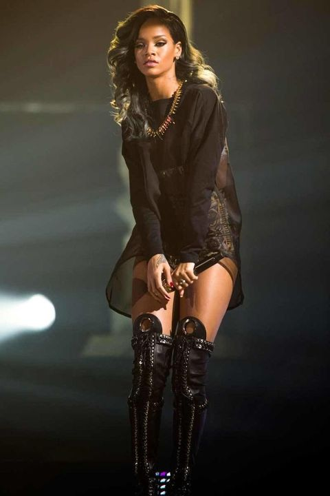 5d3142031144a Rihanna Style - Fashion Pictures of Rihanna