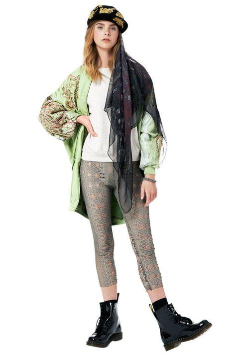 Sleeve, Textile, Style, Costume accessory, Knee, Fashion, Fashion model, Street fashion, Camouflage, Long hair,