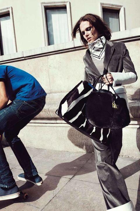 Clothing, Leg, Trousers, Window, Jeans, Textile, Outerwear, Denim, Bag, Style,