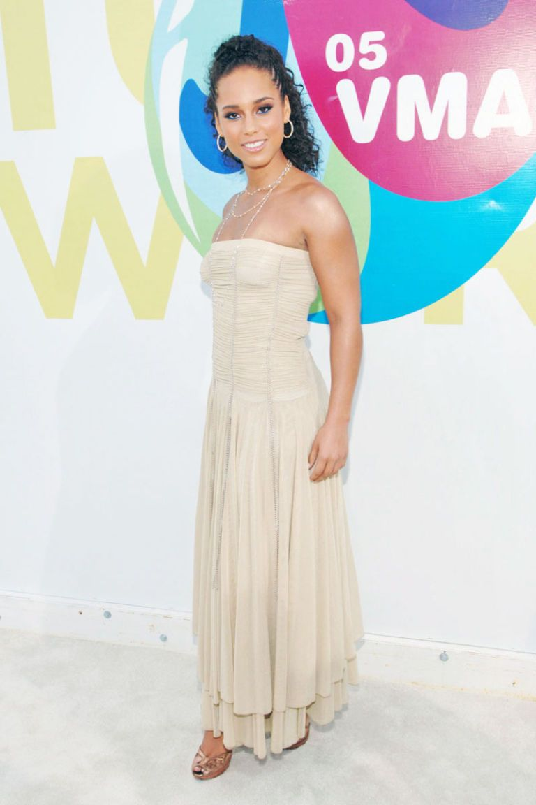 Alicia Keys Style - Fashion Pictures of Alicia Keys