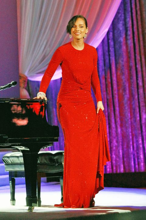 Musical instrument, Textile, Keyboard, Musical instrument accessory, Purple, Dress, Stage, Curtain, Magenta, Recital,