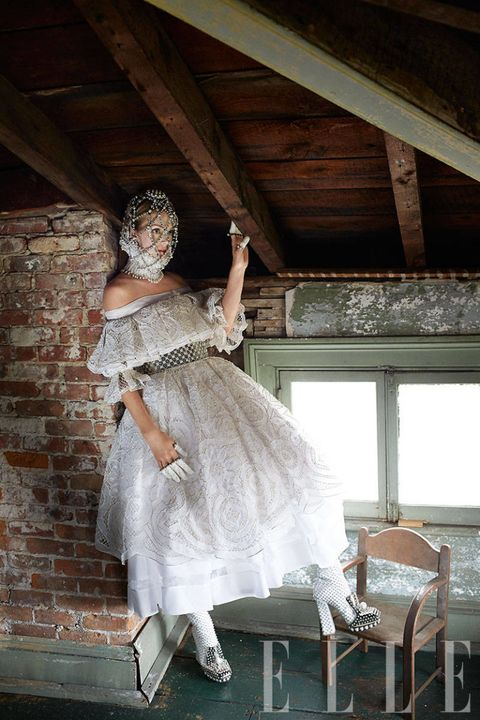 Dress, One-piece garment, Embellishment, Gown, Costume, Wedding dress, Day dress, High heels, Beam, Dance,