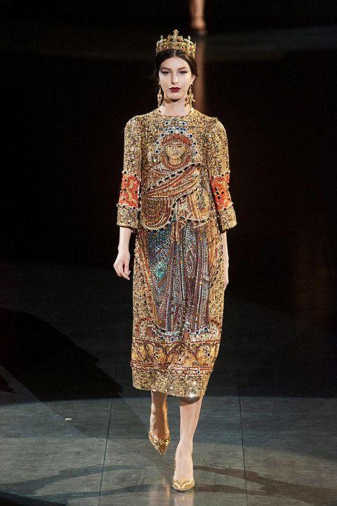 Dolce   Gabbana Fall 2013 Ready-to-Wear Runway - Dolce   Gabbana ... 46d61cf287a57