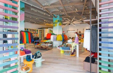 Panda Encadenar .  Benetton South Beach - Benetton Tutti Frutti Collection