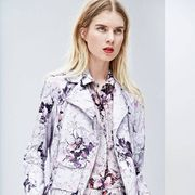 Clothing, Sleeve, Collar, Shoulder, Textile, Pattern, Style, Fashion, Street fashion, Button,