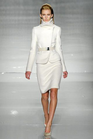 MAX MARA FALL 2011 RTW PODIUM 002